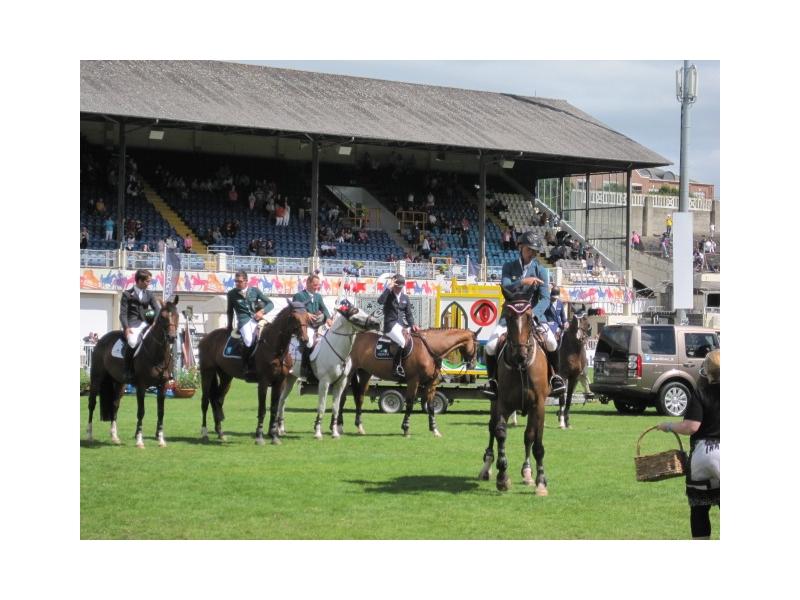 chauffeurs-dublin-horse-show