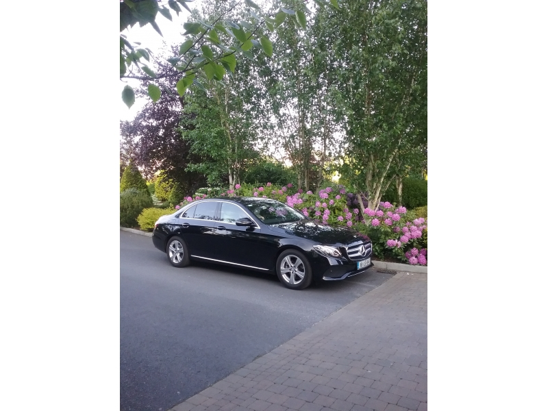 Luxury Chauffeur Service Aintree